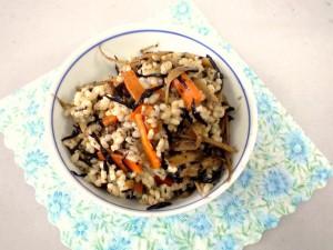 玄米の混ぜご飯